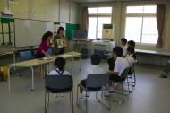 男木小中学校で読み聞かせ